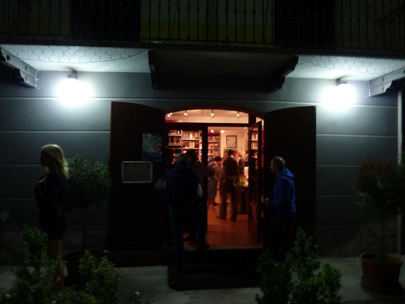 2-esterno-biblioteca