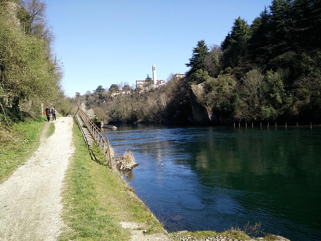 Trezzo d'Adda vista di Capriate San Gervasio