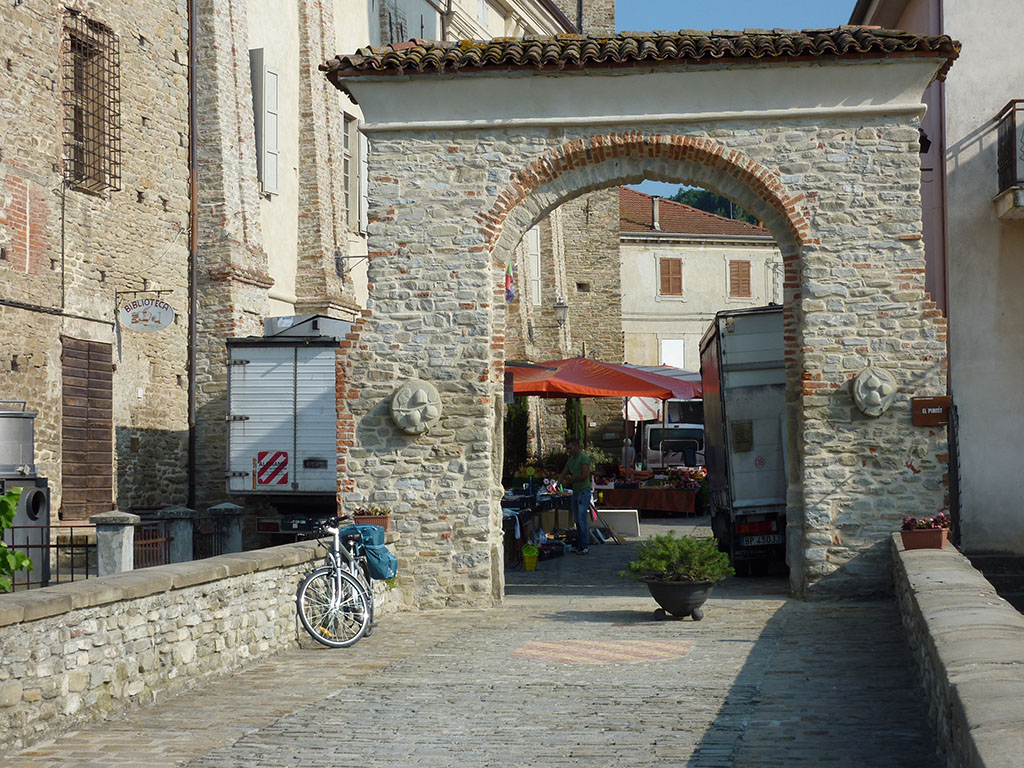 monastero-bormida-il-castello-2